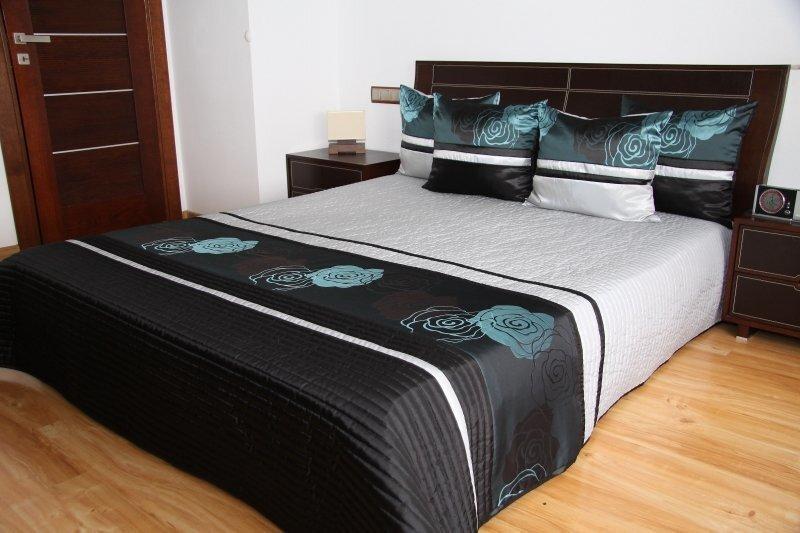 Dekoratīvs gultas pārklājs, 200x240 cm cena un informācija | Dekoratīvie gultas pārklāji un pledi | 220.lv