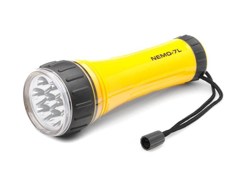 Ūdensizturīgs LED lukturis Falcon Eye NEMO-7L cena un informācija | Lukturi | 220.lv
