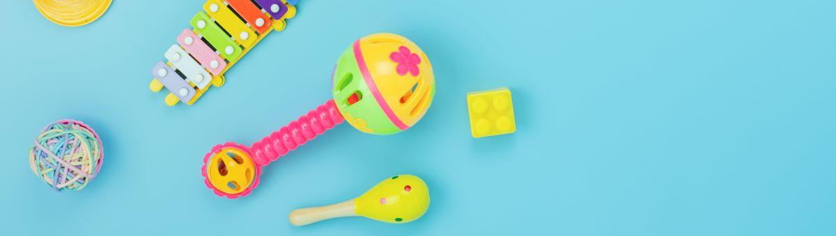 Kādas rotaļlietas izvēlēties mazulim līdz 1 gada vecumam? TOP 5