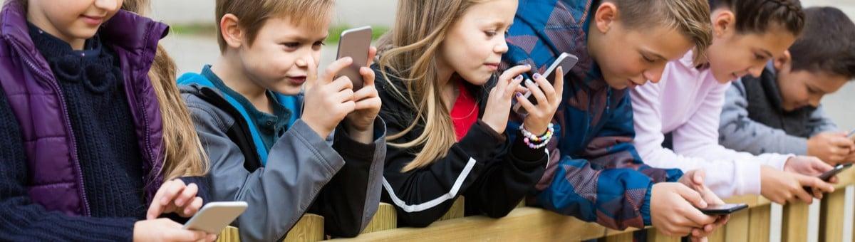 5 viedtālruņi, kas būs piemēroti skolēniem